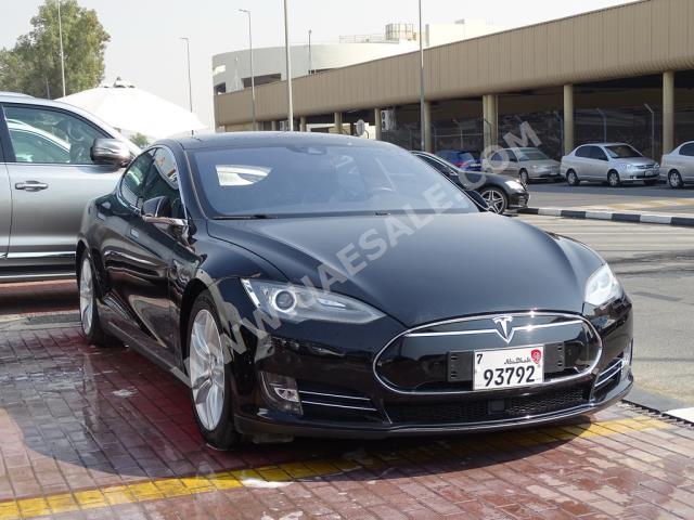 Tesla - S for sale in Dubai