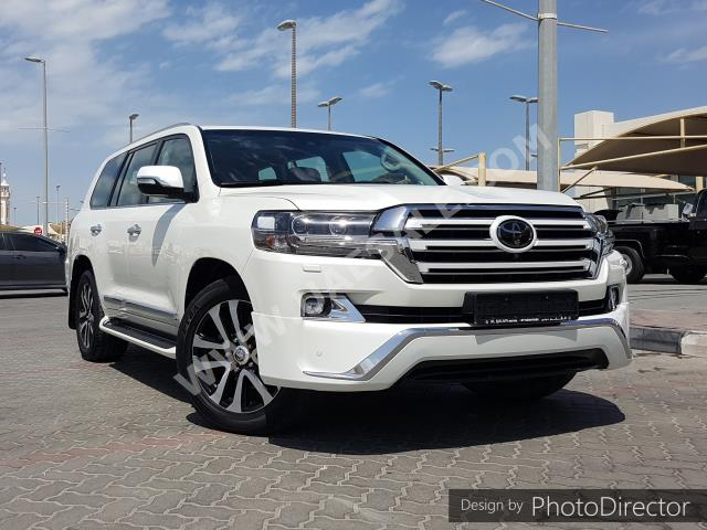 Toyota - Land Cruiser for sale in Sharjah