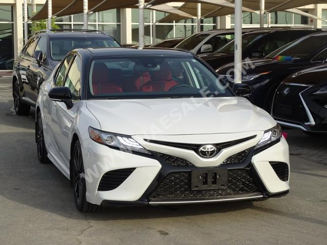 Toyota - Camry for sale in Sharjah
